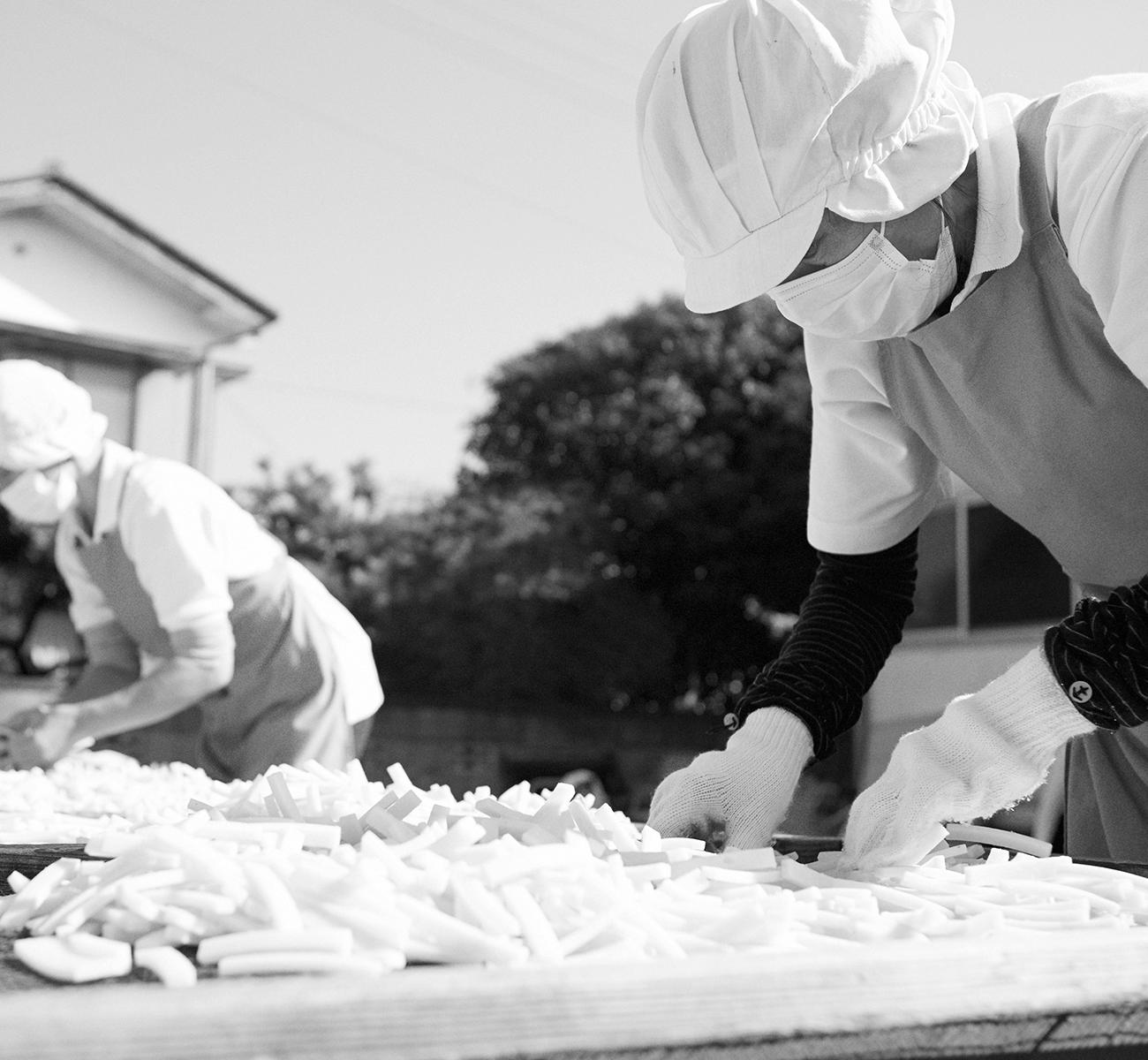ホーム|茨城県取手のあられ・おかき専門店「歌舞伎あられ池田屋」